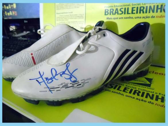 Chuteira umbro revolution modelo na cor preta foram do Fábio Braga, usada no Título Carioca de 2012.