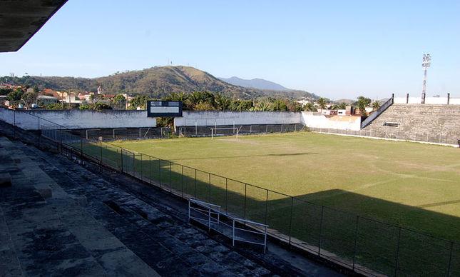 Divinos-Campo-Paulo-Victor-Reis_LANIMA20121005_0087_47