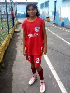 Fotos: CF Projeto Brasileirinho, Vila Olímpica de Duque de Caxias, RJ. Atleta Carolina faz seu primeiro treino na equipe de futebol feminino do Duque de Caxias FC.